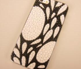 Black and White Splashy Drops Case for iPhone 5
